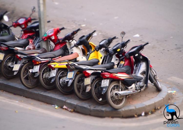 Motos in Hanoi