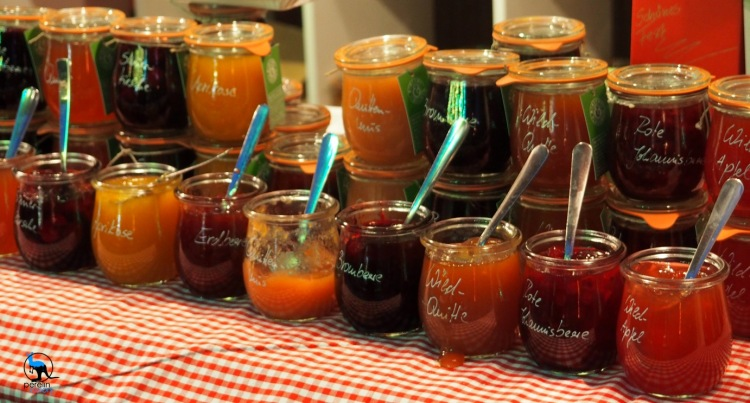 Christmas markets are made up of little shops selling artisan products (like fruit jelly), food and, most importantly, mulled wine and other hot (alcoholic) beverages