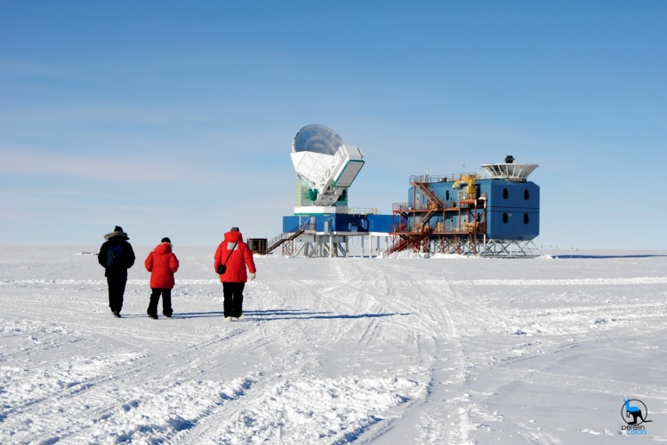 Colleagues walking towards the South Pole Telescope - Nikon D3000, 45mm, f10, 1/400