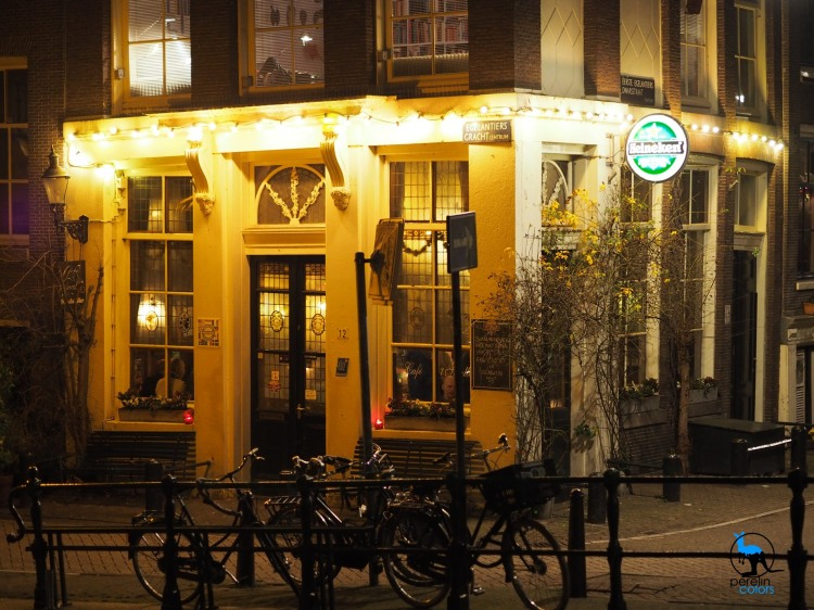 A pub in Amsterdam - Olympus OM-D EM10 with M.Zuiko 45mm/F1.8 @ 45mm (90mm equivalent), F1.8, 1/80 and automatic white balance